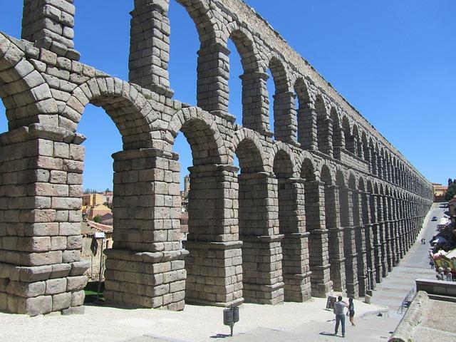 aqueduct-335122_640